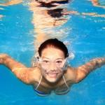 Da li mogu plivati sa kontaktnim sočivima?